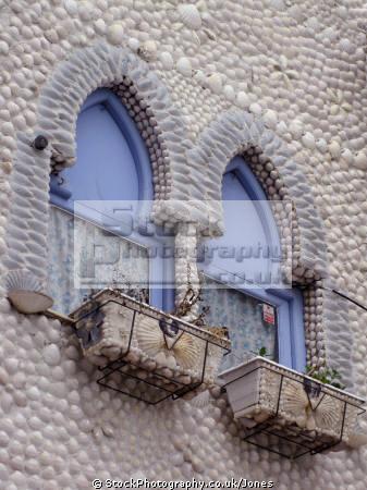 pe iscola spain building decorated seashells spanish espana european espagne espa bay holiday vacation mediterranean valencia valenciana castell costa del azahar peniscola spanien la spagna