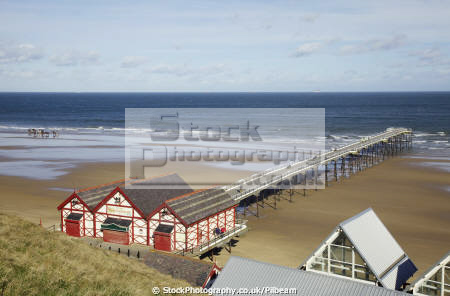 saltburn teesside pier looking north sea british seaside coastal resorts leisure sand yorkshire england english angleterre inghilterra inglaterra united kingdom