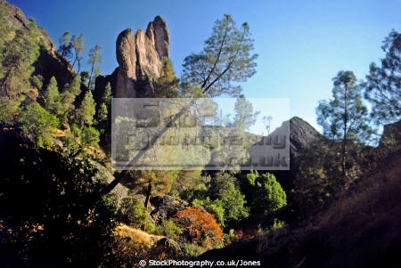 pinnacles national monument california american yankee geology vulcanism volcanic seismology faultline usa volcano breccias erosion weathering neenach salinas valley san andreas fault californian united states