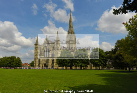 salisbury cathedral wiltshire religion worship faith religious belief working church tower wilts england english angleterre inghilterra inglaterra united kingdom british