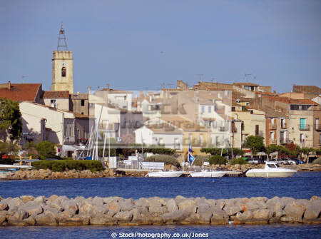 languedoc france pretty village bouzigues famous oyster production french landscapes european herault montpellier mediterranean bassin thau seafood coquillages huitres roussillon la francia frankreich