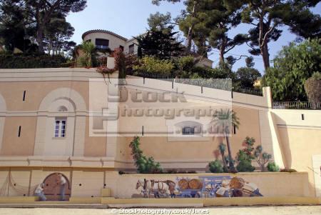 sanary du mer provence trompe oeil building near harbour murals arts paca var french france mediterranean provencale cote dazur alpes te azur la francia frankreich