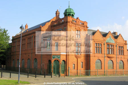 salford lads club surviving edwardian clubs used backdrop inner sleeve smiths 1986 album queen dead buildings architecture london capital england english morrissey manchester angleterre inghilterra inglaterra united kingdom british