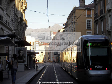 grenoble france french european alpine mountains rh ne alpes town city tram rapid transit transportion la francia frankreich