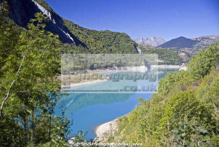 lac du chambon rh ne alpes near grenoble french landscapes european france alpine mountains turquoise la francia frankreich