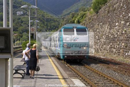 la spezia train arrives moneglia italian european italy italia riviera cinque terre liguria mediterranean railway transportation italien italie