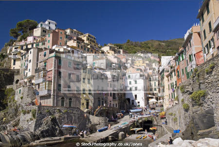 town riomaggiore italy cinque terre italian european italia riviera liguria mediterranean lands italien italie