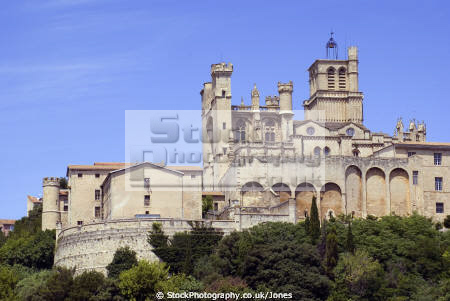 languedoc france cath drale saint nazaire ziers french buildings european herault rault river cathedral eglise religious catholic mediaeval beziers roussillon la francia frankreich