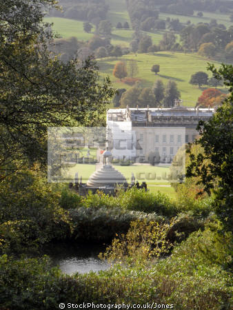 chatsworth house view aqueduct stately homes british architecture architectural buildings derbyshire peak district national park np countryside valley hall england english angleterre inghilterra inglaterra united kingdom