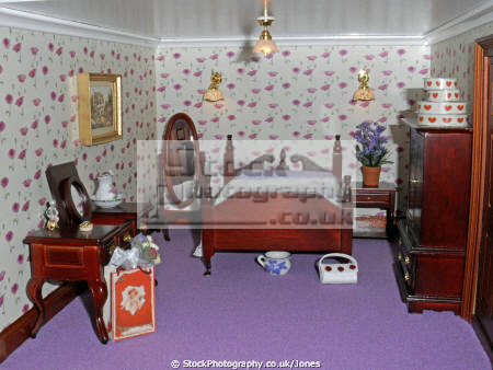 inside doll house bedroom leisure dolls model hobby pastime miniature georgian derby derbyshire england english angleterre inghilterra inglaterra united kingdom british