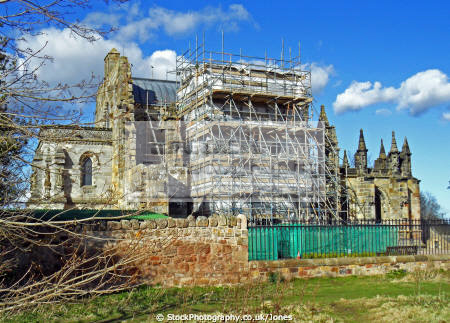 rosslyn chapel undergoing repairs uk churches worship religion christian british architecture architectural buildings scotland scottish scots midlothian gothic roslin roslyn templars rosslin rose line perthshire scotch escocia schottland united kingdom