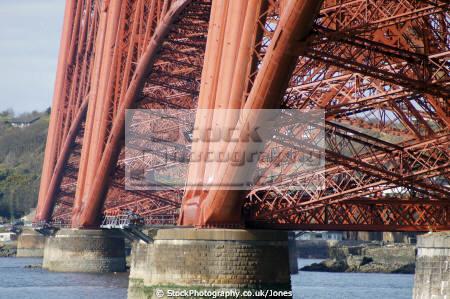 forth rail bridge taken south queensferry near edinburgh uk bridges rivers waterways countryside rural environmental scotland scottish scots midlothian engineering railway transport firth perthshire scotch escocia schottland united kingdom british