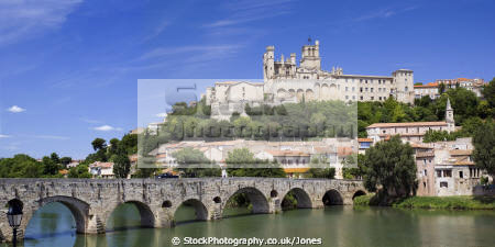 languedoc france pont vieux cath drale saint nazaire ziers french buildings european herault rault cathedral eglise religious catholic river orb bridge beziers mediaeval panorama panoramic roussillon la francia frankreich