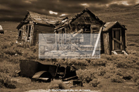 abandoned house car ghost town bodie california american yankee derelict dilapidated humorous humour lee vining minerals mono lake sagebrush silver sepia monochrome gloomy ghostly spooky haloween californian united states