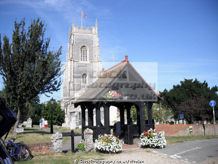 saints church brightlingsea uk churches worship religion christian british architecture architectural buildings essex england english angleterre inghilterra inglaterra united kingdom