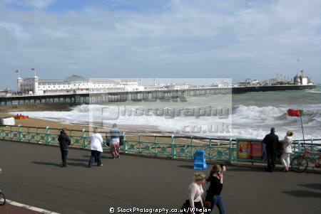 brighton pier windy day british beaches coastal coastline shoreline uk environmental beach sea wind red flag sussex home counties england english angleterre inghilterra inglaterra united kingdom