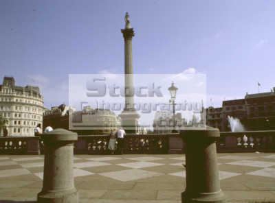 trafalgar square nelsons column london famous sights capital england english uk bollards westminster cockney angleterre inghilterra inglaterra united kingdom british