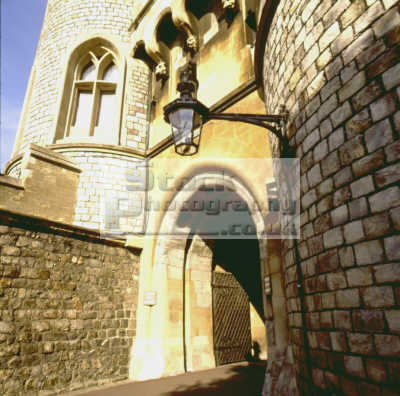 entrance windsor castle british castles architecture architectural buildings uk doorway portal royal queen residence berkshire england english angleterre inghilterra inglaterra united kingdom