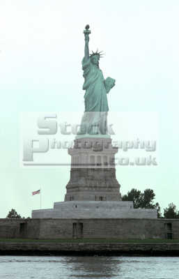 statue liberty new york 1979 american yankee travel big apple usa united states america