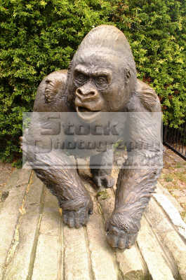 guy gorilla statue london zoo famous sights capital england english uk ape silverback westminster cockney angleterre inghilterra inglaterra united kingdom british