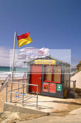 beach rescue hut uk emergency services lifesaving lifeguard newquay cornish cornwall england english angleterre inghilterra inglaterra united kingdom british
