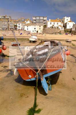 st ives fishing boat dryed south west england southwest country english uk sea seashore waterfront bathing sands strand cornish cornwall angleterre inghilterra inglaterra united kingdom british