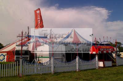 circus big fairground carnival fairs leisure uk tents cornwall cornish england english angleterre inghilterra inglaterra united kingdom british